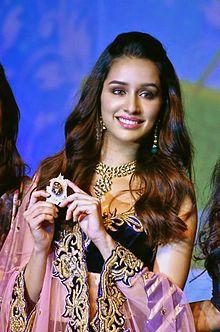 Shraddha_Kapoor_at_IBJA_awards_and_fashion_showcase